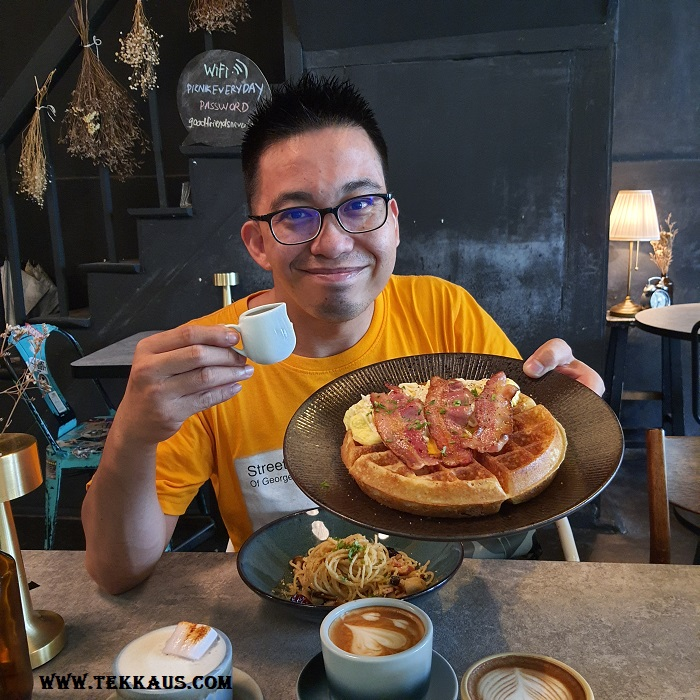 Pik Nik Waffle Bacon What Must Try Food