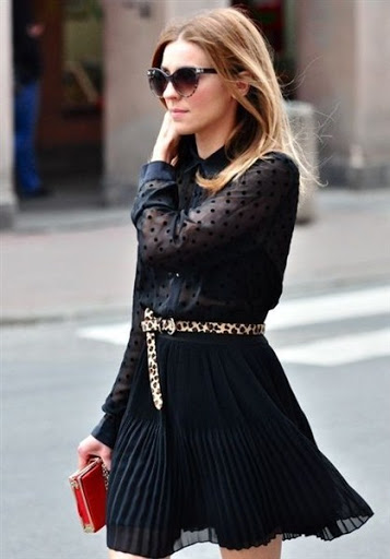 high waisted black pleated skirt