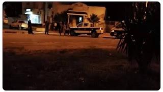عاجل المرسى شخصين على متن دراجة نارية يشهران مسدس في وجه  عون أمن