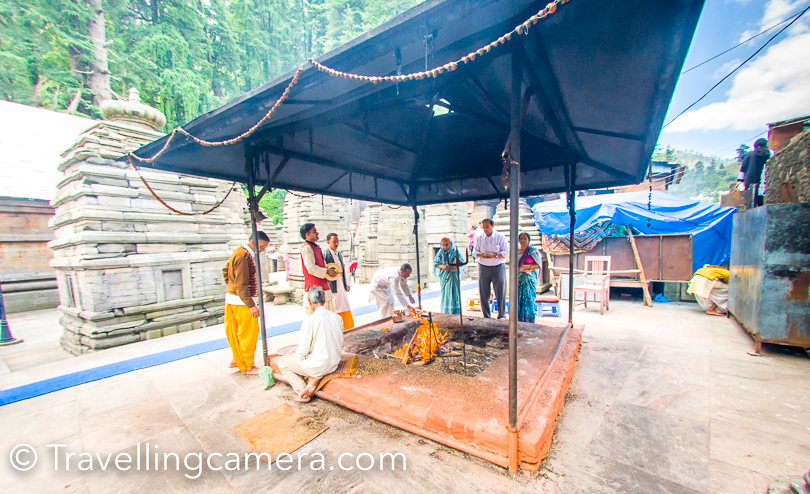 There is a huge hawan-kund in this campus where families can plan pooja. From the whole setup it seemed like a pre-booked setup and another revenue generation stream for the temple. At Jageshwar, you would see kids sitting in smaller temples and greet you with smile. If you avoid entering into their temples, they would pass some comments. It was interesting to hear the conversations of these kids. Most of the them were about money & money :). It seemed like each family has acquired a temple in this complex and try to make money out of it. In main temples you would enter in three stages. You would find a priest sitting at gate, who would tie a mauli around your wrist and then indicate to put some money in front of the idol. While visiting such temples or preserved places, one should contribute as per the wish for sustainability, but deliberate efforts put me off. And at times you end up coming out with bad mood.