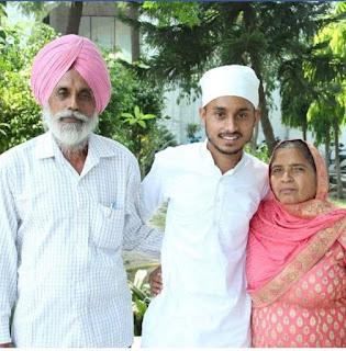 Singer Yaad Purewal family