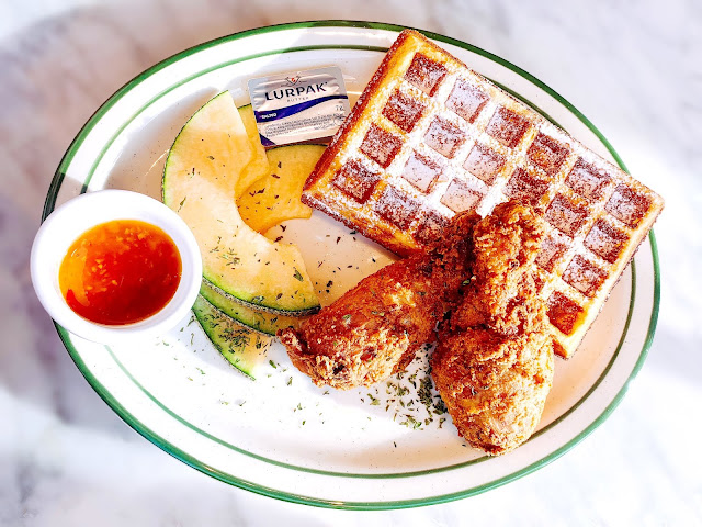 greenwafflediner, waffle, waffles, crispychicken, chickenandwaffles, chickendrumsticks, dessert, foodie, 美食, 夏沫, lovecath, catherine, ufoodphoto, instafood