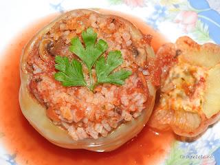 Mancaruri cu legume reteta ardei umpluti de post taranesti de casa cu ceapa orez morcovi si ciuperci fierte in sos tomat de rosii retete culinare mancare vegetariana,