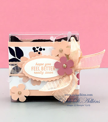 Super simple M&M candy Treat holder with the Pretty Perennials Bundle and Paper Blooms DSP.  Click to learn more!