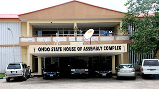 Ondo House of Assembly - Snakes chase away ondo lawmakers