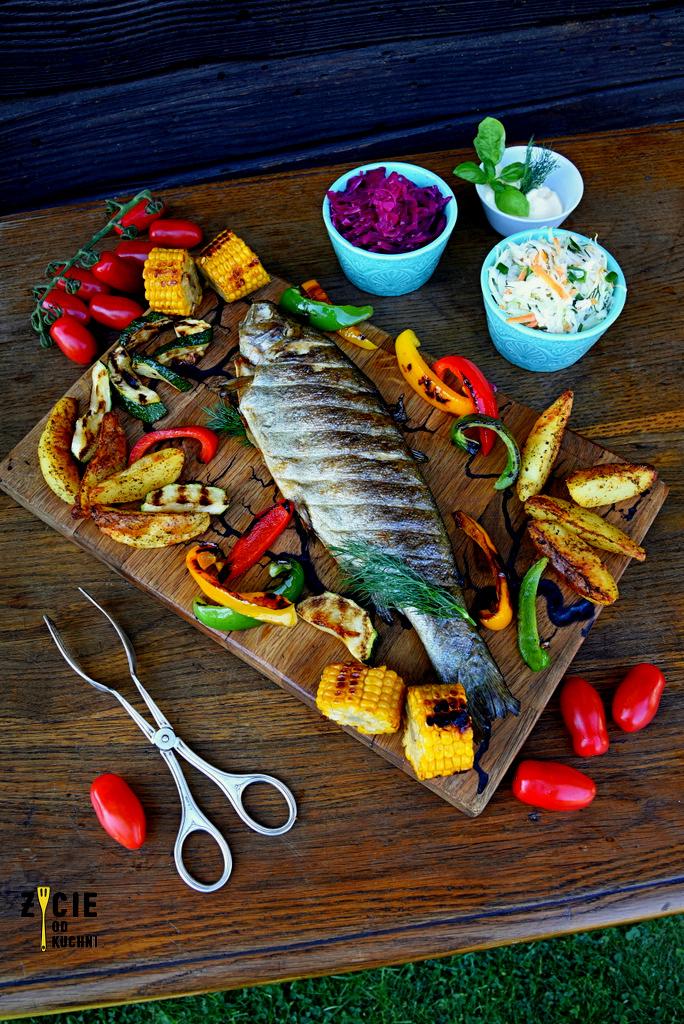 grillowany pstrag, ryba z grilla, grill, warzywa grillowana, co na grill, zycie od kuchni