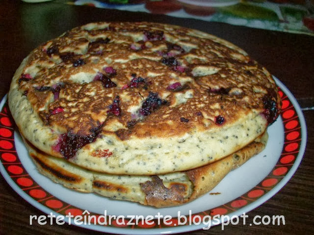 American pancakes with berries