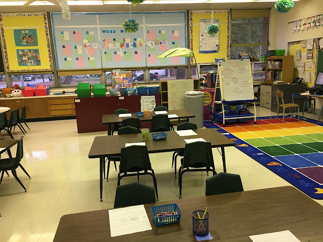 This colorful, cheerful, bilingual classroom is where Alicia volunteered this semester.