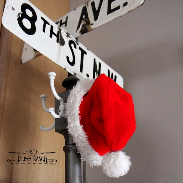 Adding Christmas Decor Easy Bliss-Ranch.com