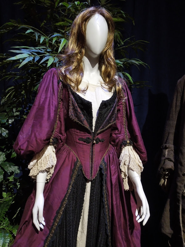 Elizabeth Swann Pirates Caribbean Curse Black Pearl dress