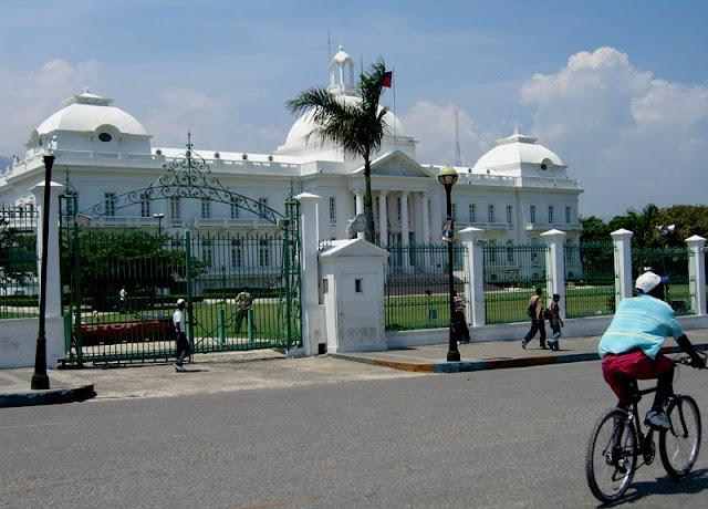 Gobierno de Haití condena vandalismo contra instituciones