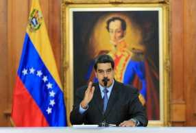 """Maduro advierte a """"oposición extremista"""" que hará justicia"""