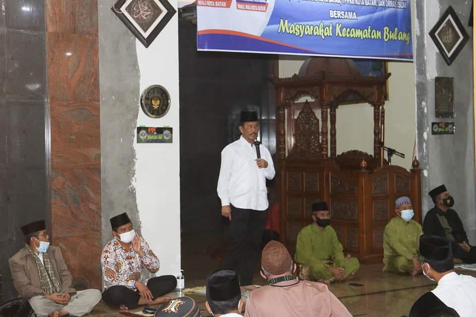 Serahkan Bantuan ke Masjid Babussalam, Rudi Ajak Masyarakat Yang Memiliki Rejeki Menginfaqkannya Ke Masjid