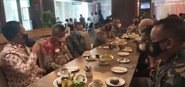 Pangkoopsau II, Diwakili Kapen Koopsau II,  di Pelantikan Pengurus PWI Provinsi Sulawesi 2021-2026