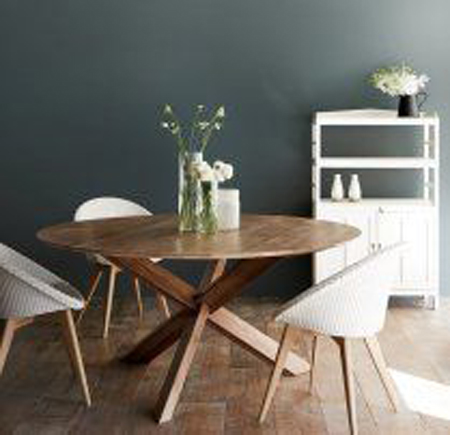 mesa de madeira redonda pé em x