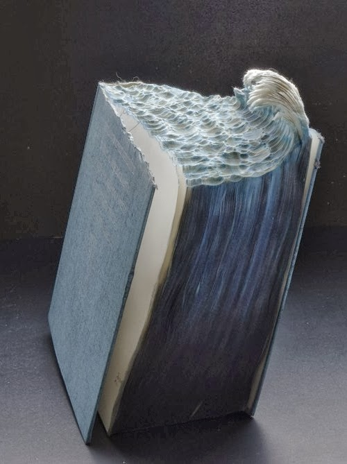 13-Guy-Laramee-Book-Sculptures-Encyclopedias-Dictionaries-www-designstack-co