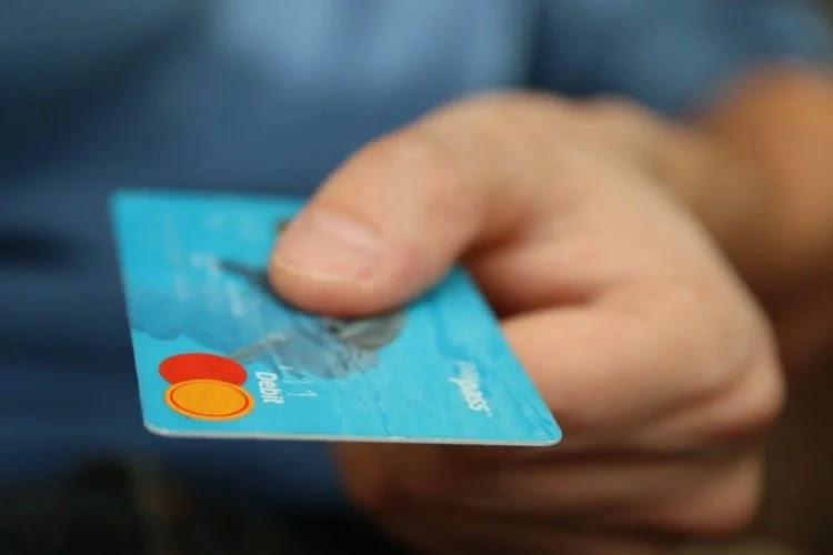 Pagamentos com cartões crescem 52% no segundo trimestre de 2021