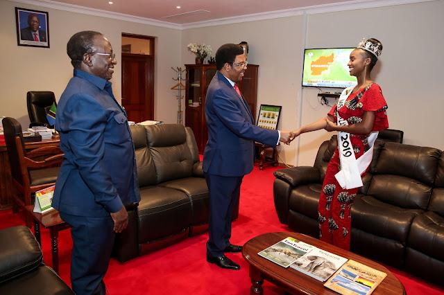 MISS TANZANIA 2019 AAHIDI KUTUMIA KISWAHILI MASHINDANO YA MISS WORLD