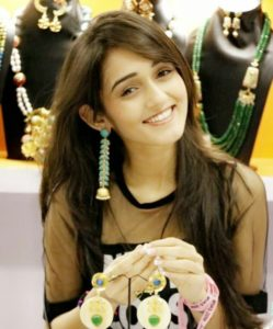 Biodata Tanya Sharma (Meera)