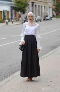 pakaian interview hitam putih