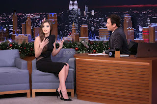 Hailee Steinfeld sexy young teenager looks super sexy on The Tonight Show Starring Jimmy Fallon