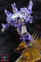 Transformers Kingdom Cyclonus 29