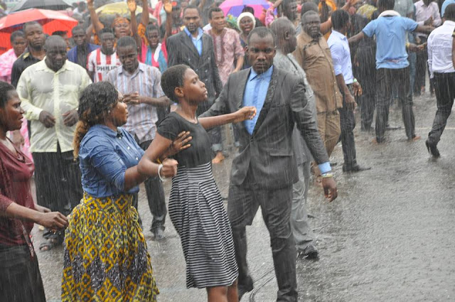 Apostle Suleman Preaches Under The Rain In Lagos (Photos)
