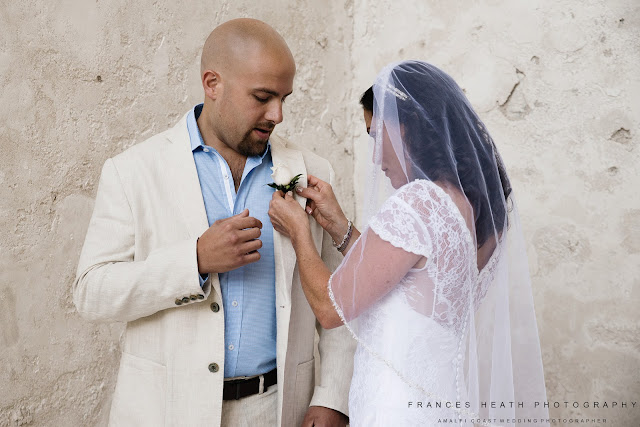 Bride and groom in Amalfi