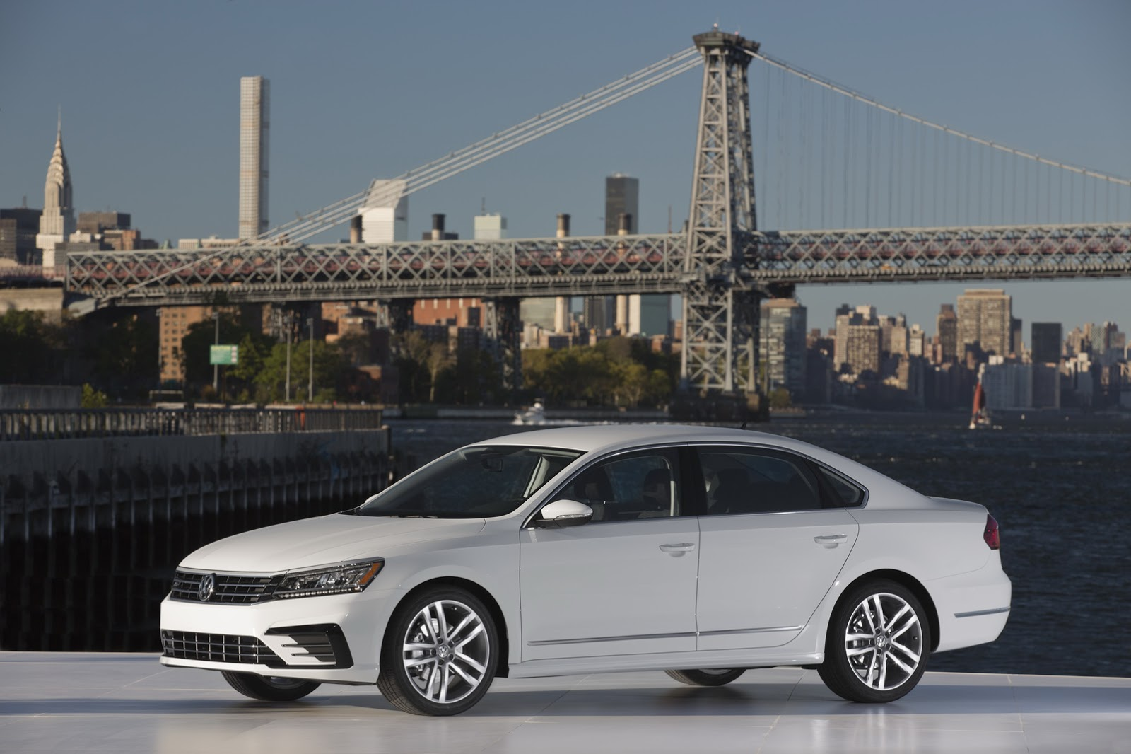 2016 VW Passat Is Not The Major Facelift We Were Expecting ...