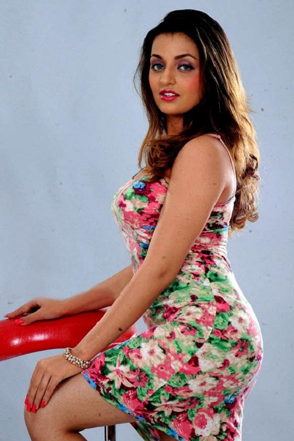 Indian Sexy Lady Sana Oberoi-2665