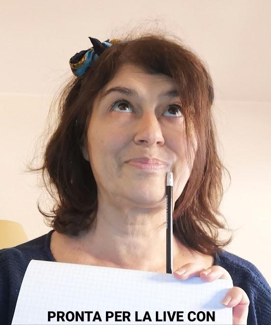 Donna con matita