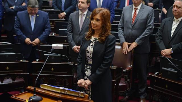 Cristina Fernández denuncia que 'mafioso' macrismo extorsiona a oposición