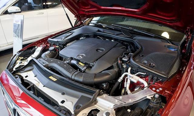 Đánh giá Mercedes-Benz E180 2020