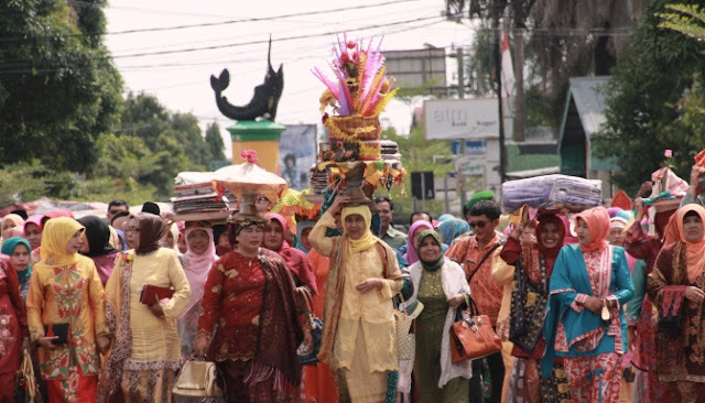 Tradisi Babako Sebelum Pernikahan Di Pesisir Selatan