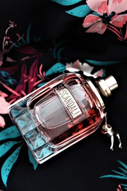 nouveau parfum femme jean paul gaultier, avis parfum so scandal, notes parfum so scandal jean paul gaultier, jean paul gaultier new perfume, parfumeur, parfum mixte, parfum femmes, parfums pour femme, eau de parfum