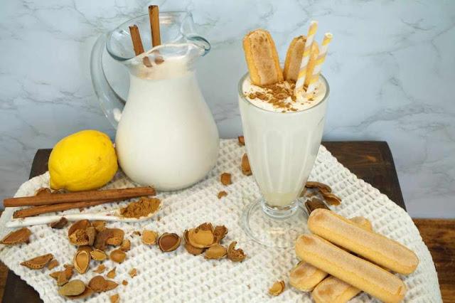 leche merengada sin lactosa con leche de almendras