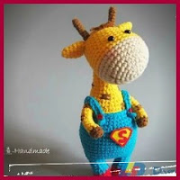 Jirafa superman amigurumi