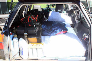 Im Kombi / Wagon Fahrzeug Schlafen