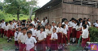 Tidak ada Penerimaan CPNS, Sekolah Pedalaman Ini Kekurangan Guru