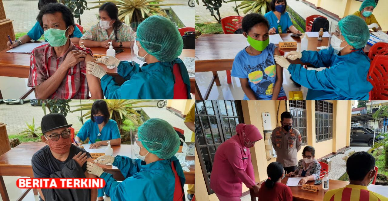 Vaksinasi Massal Covid-19 di Toraja Utara