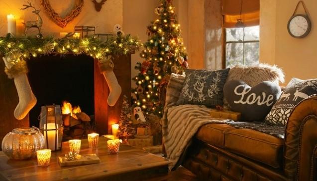 aesthetic christmas living room