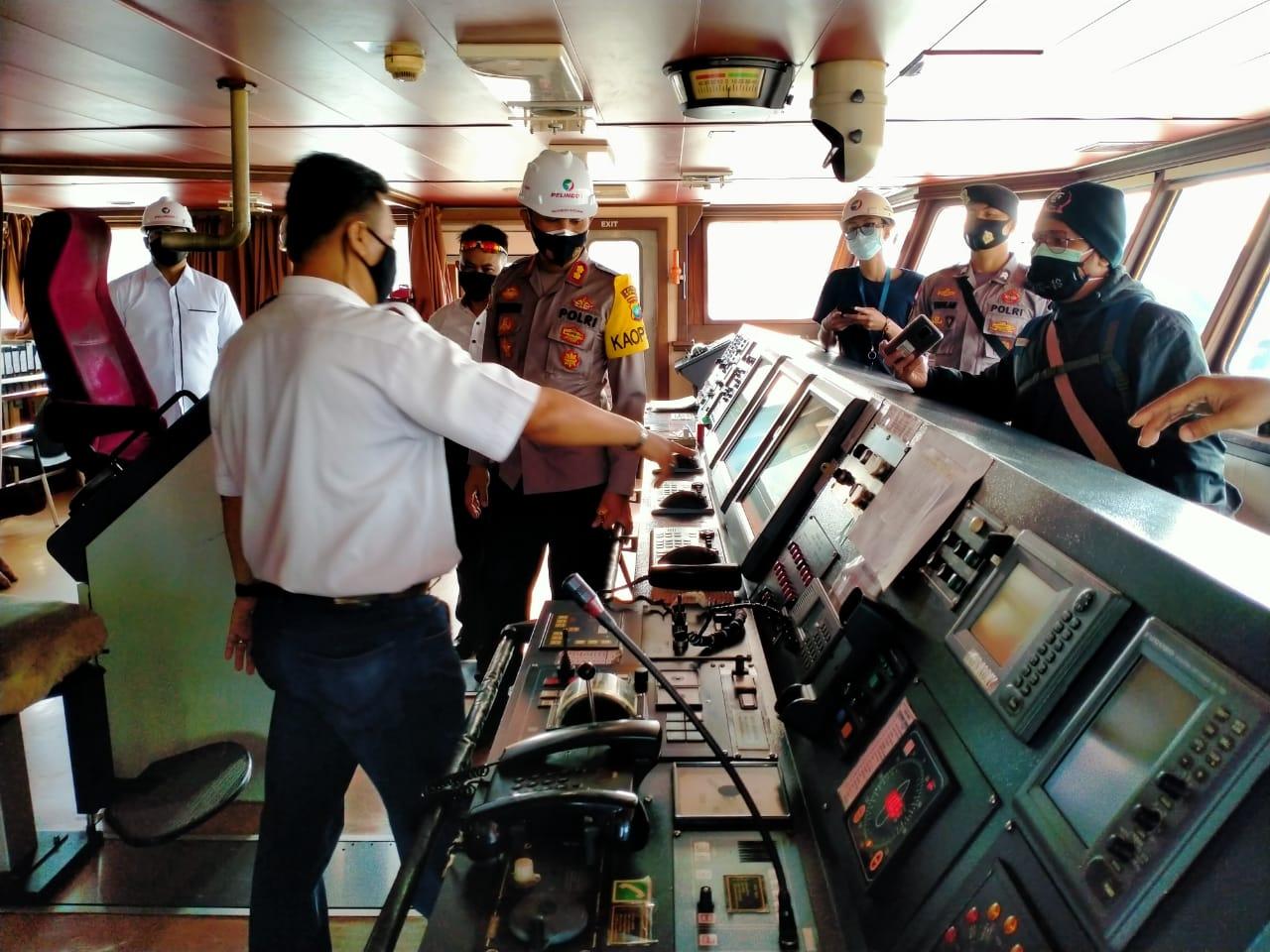 Kapolres Bintan Meninjau Launching Tol Laut Rute T-3 di Pelabuhan Sribayintan Kijang