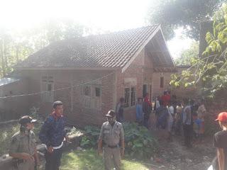 <b>Terbakar Emosi Terduga Pelaku Dugaan Pemerkosaan Belum Tertangkap, 15 Orang Warga Bali Satu Rusak Rumah 'Y'</b>