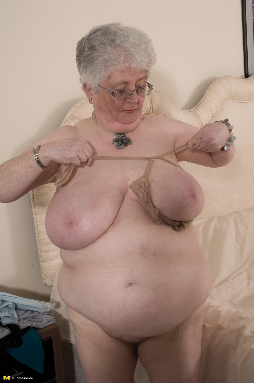 Schwiegermutter in nylons