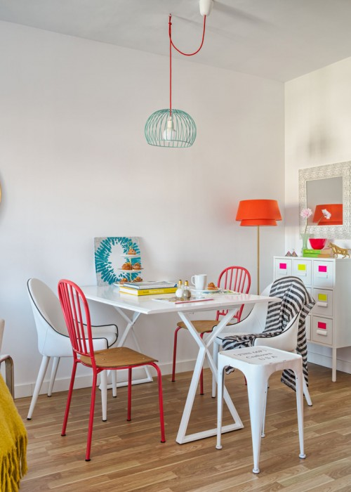 zona comedor decorada con multiples colores chicanddeco