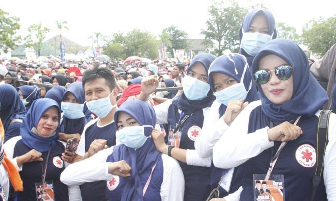 Hatika, Bidan Cantik 'Jatuh Cinta' Karena Program Pro-Kampung NH-Aziz