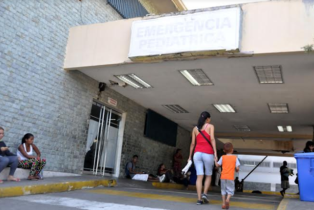 Inoperativos servicios de laboratorio del sistema de salud público de Vargas
