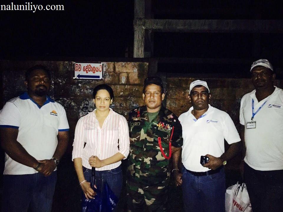 Janaki Wijerathne charity with army