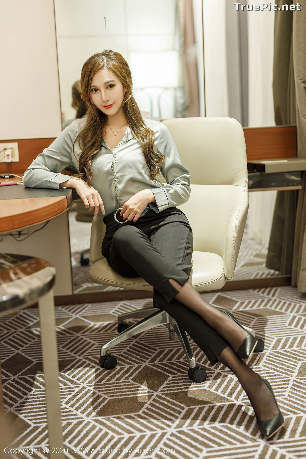 Image IMISS Vol.492 - Chinese Model - Lavinia肉肉 - Long Legs Office Girl - TruePic.net - Picture-4