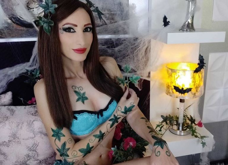 https://www.glamourcams.live/chat/Ellaerotic